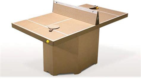 Une Table De Pingpong Portable En Carton