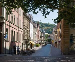 Markt De Freiburg Breisgau : blick auf die stadt freiburg im breisgau einer stadt im s dlichen deutschland auf sommerzeit ~ Orissabook.com Haus und Dekorationen