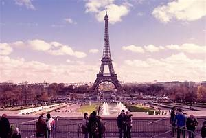 Eiffel Tower in pink wallpapers and images - wallpapers ...