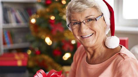 spending christmas   millions   women