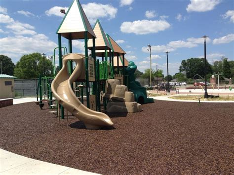 best mulch for playground 25 best no fault rubber mulch images on rubber 4577