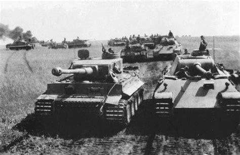 A German Tiger I & Panther tank (Operation Zitadelle).   Kursk, Panther tank, Tanks military