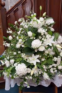 wedding flower arrangements  bouquets