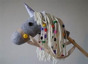 Einhorn Selber Basteln : magische spielidee einhorn steckenpferd selber machen mytoys blog ~ Frokenaadalensverden.com Haus und Dekorationen