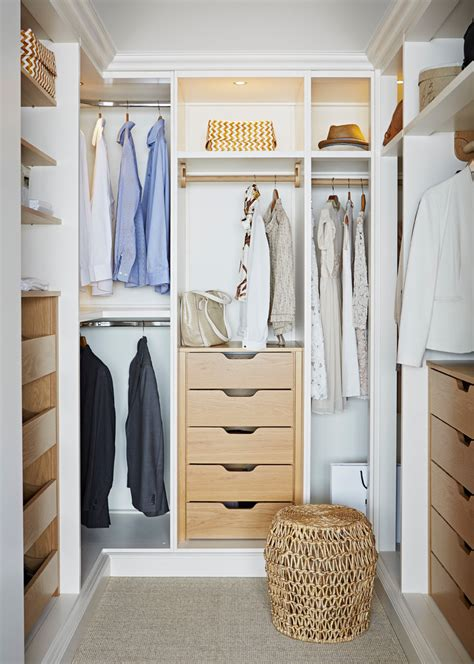 small closet    tidier  cleaner decohoms