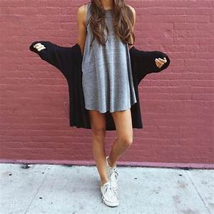 Perfect fall outfit. Cute outfit. T-shirt dress. White converse. Cardigan. Cute outfit. Teen ...