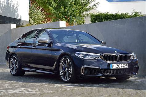 bmw  series  car review autotrader