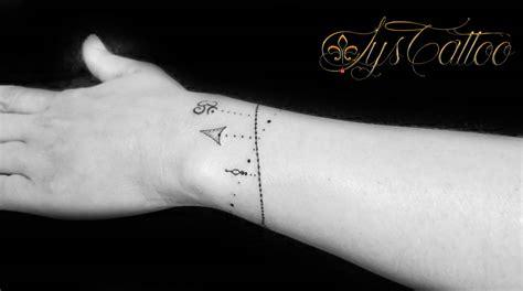 Le Tatouage Fin, Discret Et Délicats, Tatouages