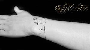 Tatouage Trait Bras : le tatouage fin discret et d licats tatouages minimalistes tatoueur vers bordeaux lys tattoo ~ Melissatoandfro.com Idées de Décoration