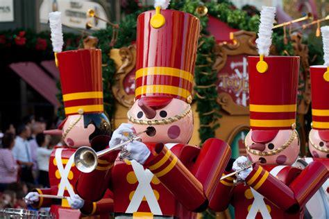 desfile de cascanueces en walt disney world orlando fl