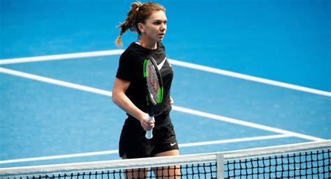 Factbox: Tennis - Simona Halep v Kaia Kanepi | Reuters