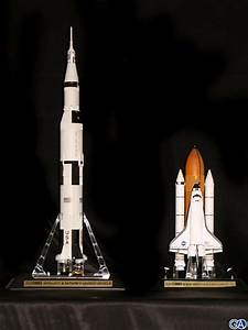 Saturn V – Apollo 11. BANDAI 1/144.