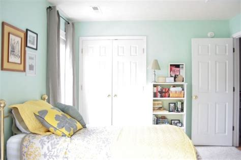 quot icy mint quot valspar color from lowes pinned from dreamgreendiy com bedroom idea pinterest