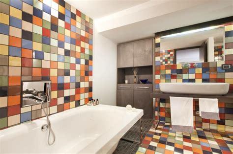 Badezimmer Fliesen Lackieren  37 Ideen Für Motive & Muster