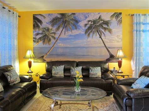 Beach Themed Living Room With Colorful Furniture Set