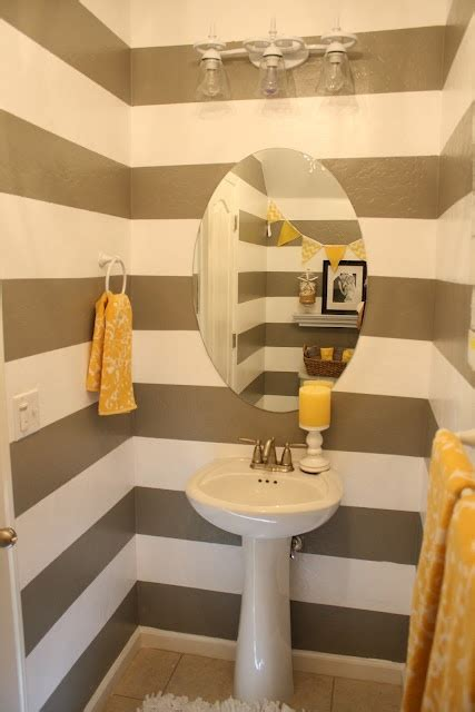 powder room hand towel on ring bar with additional