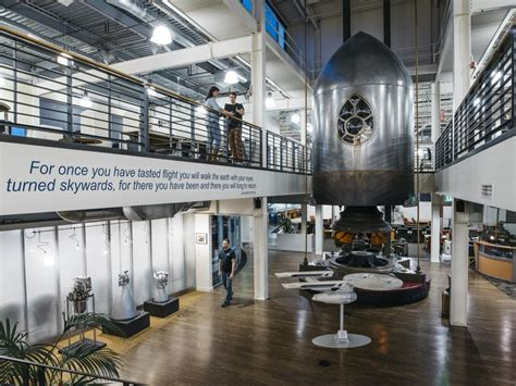 Spacex Redmond Office by Jeff Bezos Blue Origin Reveals A Mix Of Serious Tech And