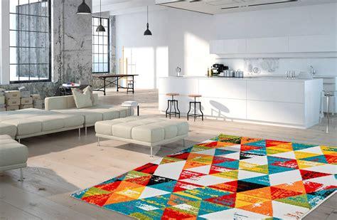 tapis multicolore design geometrique pour salon daiki