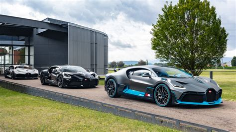 Bugatti claims the divo will accelerate to 62 mph in just 2.4 seconds and that it can hang on through a corner with an astonishing 1.6 g's of grip. Bugatti delivers first Divos to customers