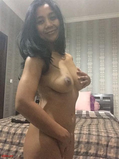 Indonesia MILF Rahajeng Pratiwi Naked Photos Leaked