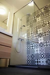 carreaux ciment leroy merlin maison design bahbecom With carrelage adhesif salle de bain avec guirlande de led