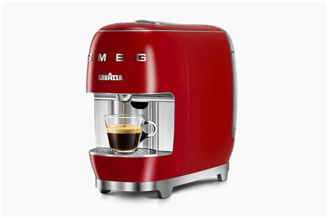 Braisogona is perhaps one of the best known and godmorn is the most recent company to appear on the market of all those that we highlight in our list of the best brands of moka coffee machines. Collaboration Italian Coffee Makers : Lavazza A Modo Mio Smeg