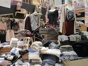 Brandy Melville Clothing Store