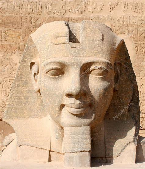 Tête De Ramsès Ii Dans Le Temple De Louxor, Egypte