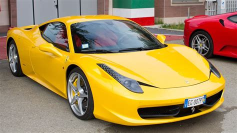 giallo modena ferrari  italia walkaround  driving