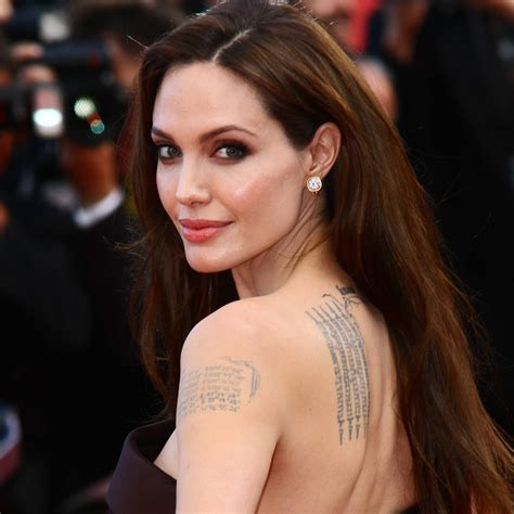 les tatouages dangelina jolie tattoo inspirez vous