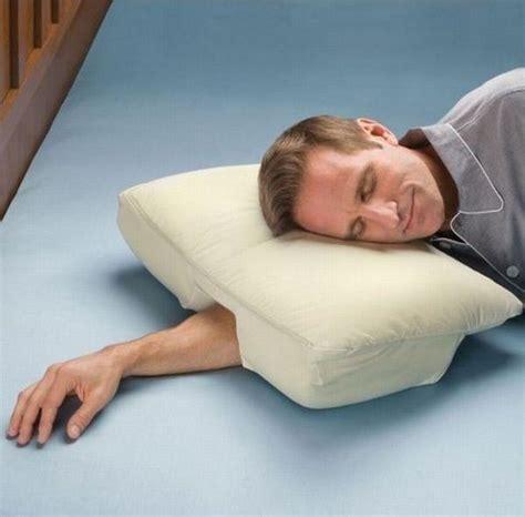 Dormire Con Il Cuscino Tra Le Gambe I Migliori Cuscini Per Decorare La Tua Da Letto