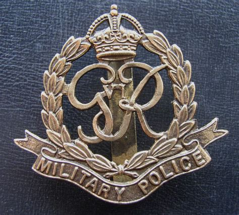 ww2 military british military police cap badge