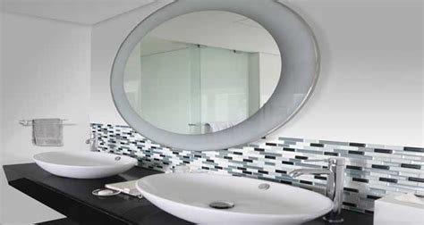 panneau adh駸if cuisine adhesif mural salle de bain maison design bahbe com