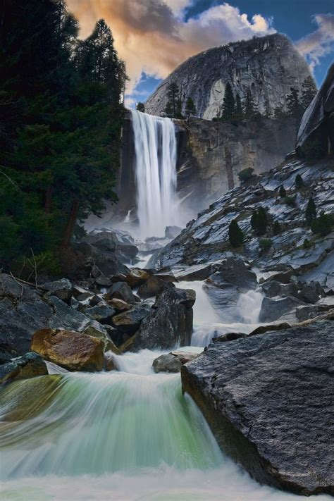 Vernal Falls Yosemite National Park Usa Travel
