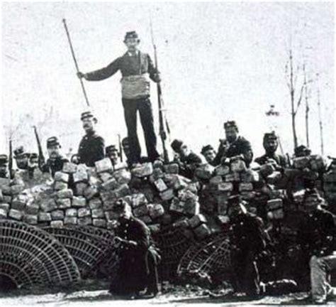 siege le parisien infokiosques la commune de