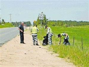 Chain gang cleans up | Castlerocknewspress.net