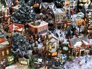 Village De Noel Miniature : village miniature de no l dicken 39 s village 2013 nathalie l youtube ~ Teatrodelosmanantiales.com Idées de Décoration