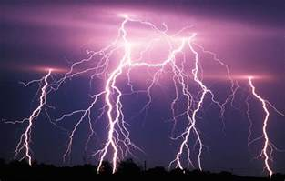 10 Facts About Lightning You Should Know This Season