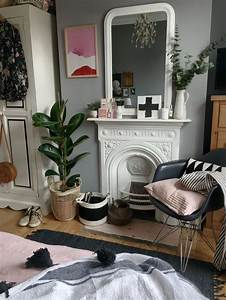Victorian, House, Bedroom, Inspo, Black, And, White, Styling, With, Dusky, Pink, Accents, And, Bold, Artwork