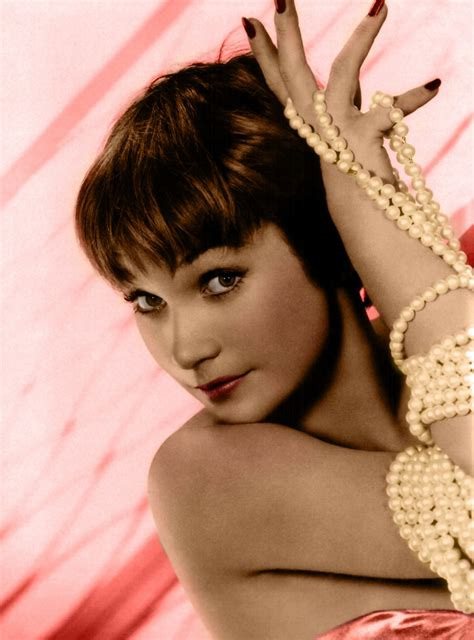 Nackt  Shirley MacLaine Actresses who