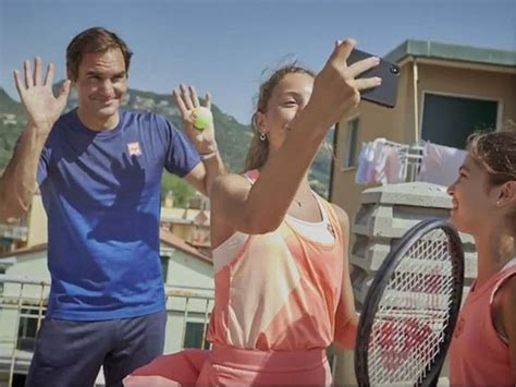 Federer's Hanging Out With Italian Rooftop Tennis ...