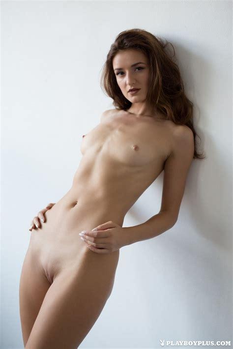 Skinny Stunner Elina Love Displays Her Hot Body Of