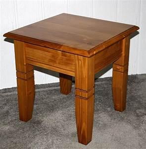 Couchtisch Quadratisch Holz : couchtisch 45x46x45cm fichte massiv honigfarben lackiert ~ Buech-reservation.com Haus und Dekorationen