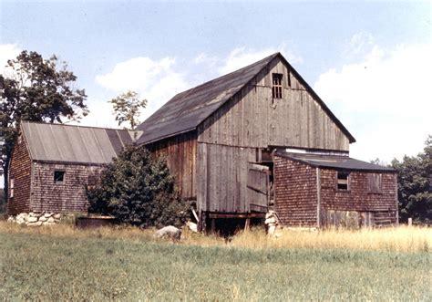 Sadly, Utterly Abandoned Barns  Lis'anne Harris