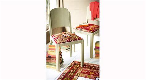 tapisser une chaise en tissu diy chaise relooking déco le journal de la maison