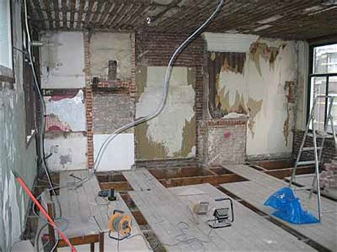 slaapkamer muur egaliseren houten constructievloer verstevigen en egaliseren