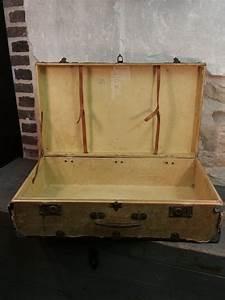 Valise En Bois : ancienne valise en bois vintage ann es 30 40 ~ Teatrodelosmanantiales.com Idées de Décoration