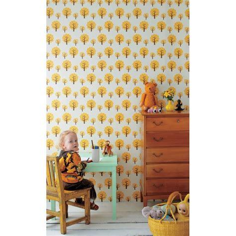 ferm living papier peint papier peint dotty jaune ferm living