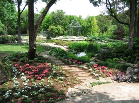 Photo Of Beautiful Texas Garden With Cute Flowers In Pink