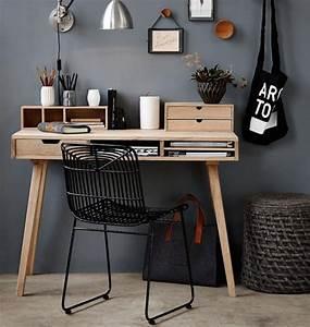 Schreibtisch Dunkles Holz : helles eichenholz und dunkle graut ne wirken entspannend bild 11 living at home ~ Indierocktalk.com Haus und Dekorationen